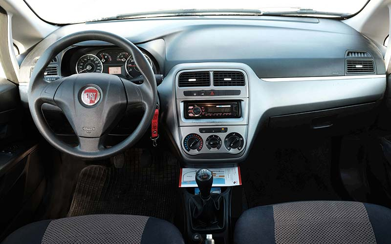 Fiat-Punto-b-milos-car-rental